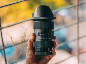 Sigma 18-35mm F/1.8 for Canon Mount with Hard Case