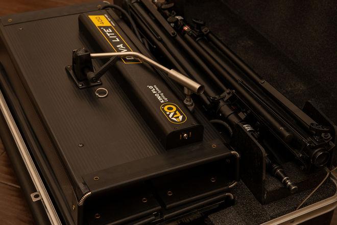 Kino Flo Diva-Lite 400 (2) Light Kit with Travel Case