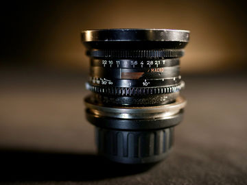 Rent: Zeiss 16mm Standard Speed (MACRO)
