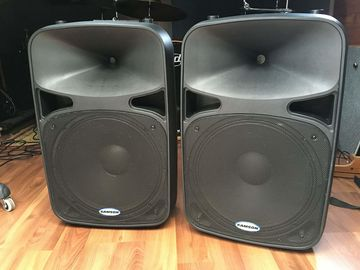 "15"" Samson - Self Powered -  2X PA Speakers with Stands"