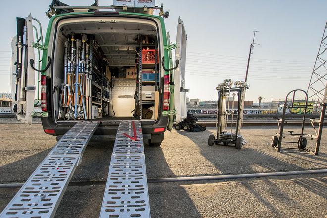 2 Ton G&E Van LED & HMI kit