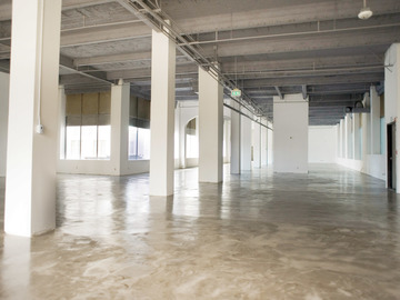 Rent: Civic Center Studios - Studio 02 - Daylight Studio