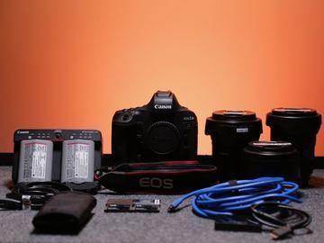 Canon EOS-1D X Mark II + 3 Lens Kit