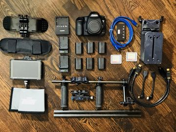 Rent: Canon EOS 5D Mark III package #2 + Zeiss Prime Lens Set