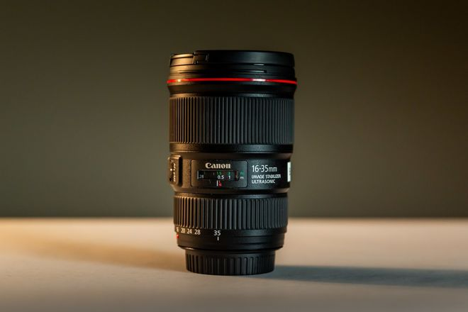 Canon EF 16-35mm f/4 IS USM