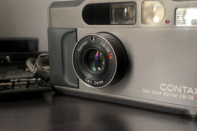 Contax T2 (w/optional data back)