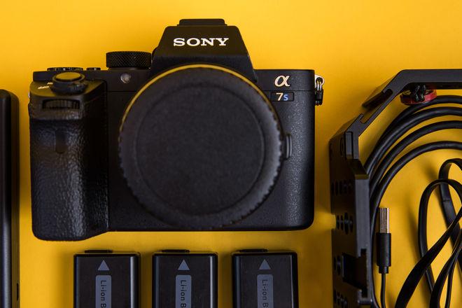 Sony a7s II Package (w/Metabones EF adapter) 64GB SD [2/3]