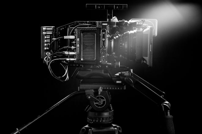 ARRI Alexa Mini w/ Zeiss Lens Set | 4:3 and ARRIRAW Licenses