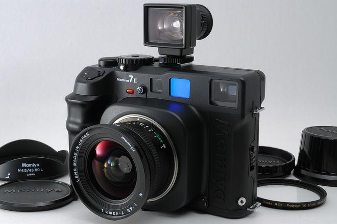 Mamiya 7ii w/ 43mm f/4.5 Lens & Viewfinder