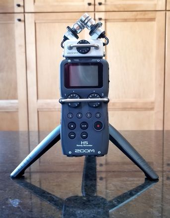 Zoom H5 mobile recorder