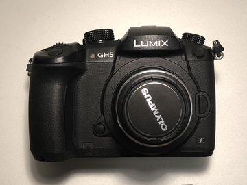 Panasonic Lumix GH5 /V-LOG Included/ Starter kit