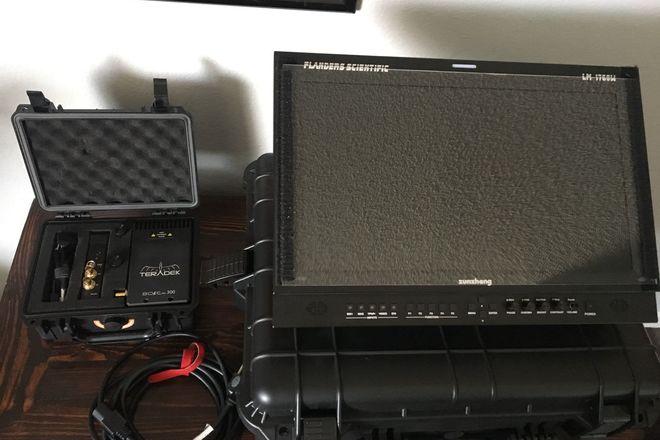 "Wireless Directors Monitor Kit - Flanders 17"" and Teradek"