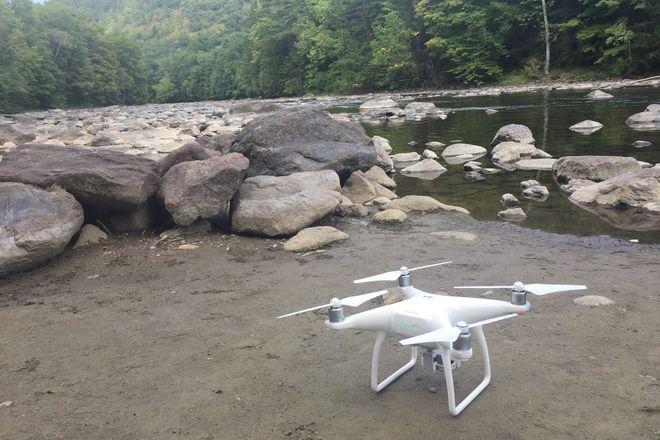 DJI Phantom 4 Quadcopter (4K)