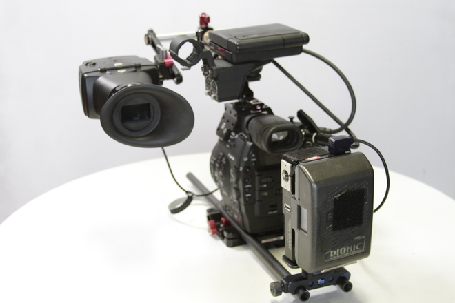 Alaphatron EVF with wooden camera rod mount