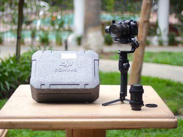 Rent: Panasonic GH5 / Ronin S / 16-35mm (follow focus)