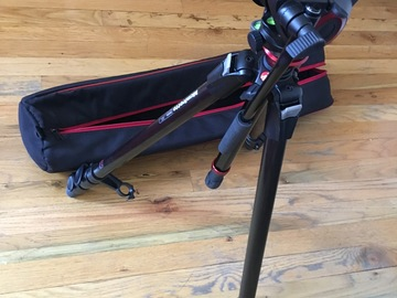 Rent: Manfrotto MT190X3 3-Section Fluid Head