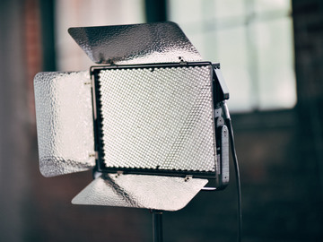 Rent: Aputure Light Storm LS 1S LED Kit w/ Softbox, V-Mount Plate