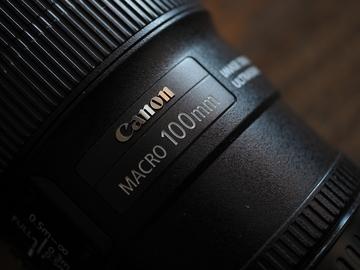 Rent: Canon EF 100mm f/2.8L IS USM Macro Lens