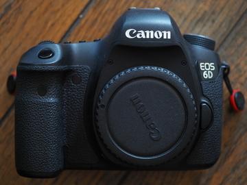 Canon EOS 6D DSLR FULL Frame, with 2 batteries, grip option