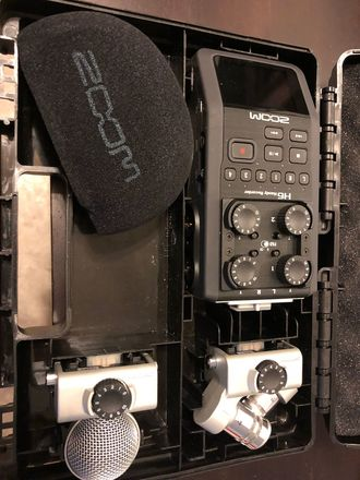 Zoom H6 Handy Recorder + 2x Sennheiser G3 Wireless mic