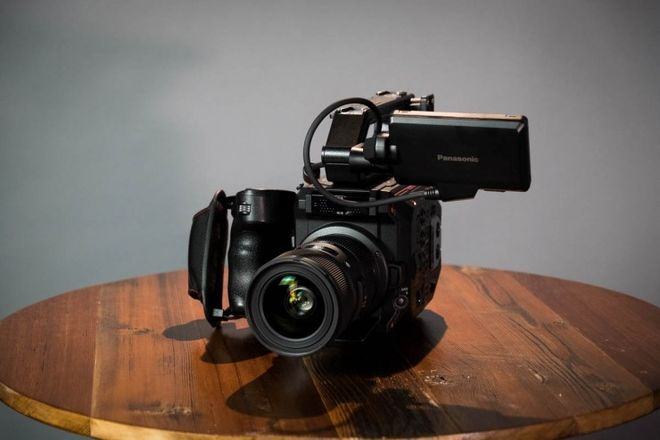 Panasonic AU-EVA1 Compact 5.7K (PL or EF Mount)