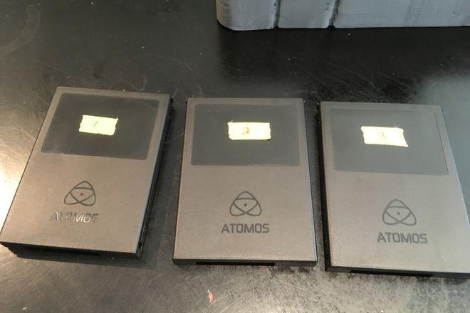 ATOMOS SSD CARDS, 3x 500GB + USB 3 Reader