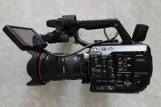 Sony FS5 4k Camera Premium Package w/ 2 Lenses + Accessories