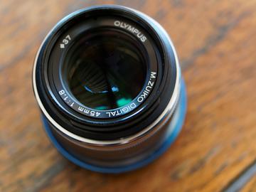 Olympus M. Zuiko Digital ED 45mm f/1.8 Lens