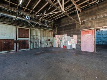 Rent: Studios 60 RAW Stage