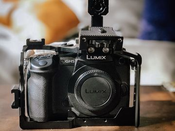 Panasonic GH5 with Cage