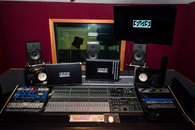 Post Production Audio Suite with 5.1 Surround Sound