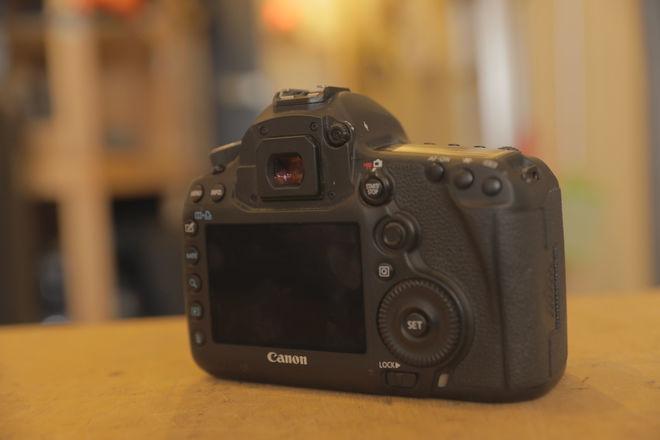 Canon EOS 5D Mark III w/ batteries + memory cards (NO LENS)