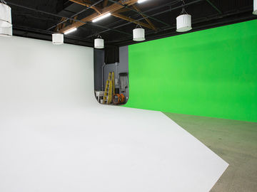 Rent: 2500 square foot sound stage (White Cyc/ Green Screen)