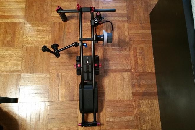 Canon Eos C100, C300, C500 shoulder rig Zacuto