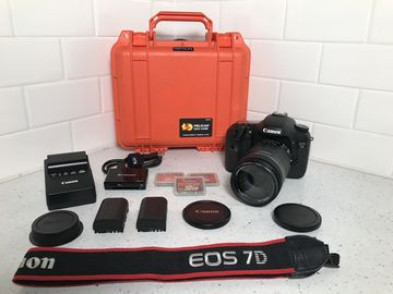 Canon EOS 7D Kit w/ 18-135mm Lens, Cards, & Extra Batteries