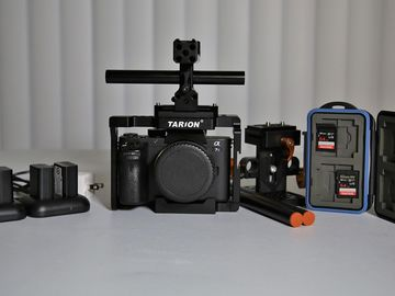 Sony Alpha a7S II, Cage, EF Adapter, Media