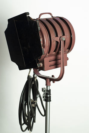 Mole-Richardson 1,000 Watt 6-in Baby Fresnel