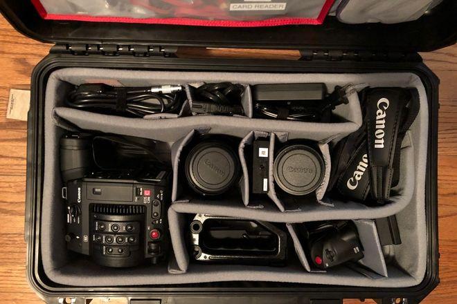 Canon EOS C200 PLUS 24-105mm F4 & 135mm F2 L lenses