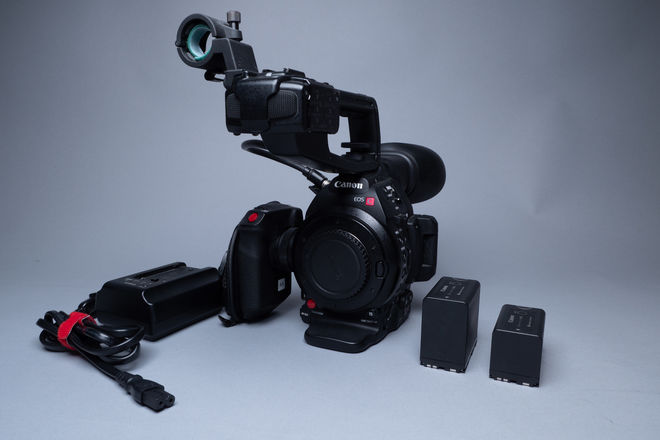 Canon EOS C100 Mark II (with Dual Pixel CMOS AF)