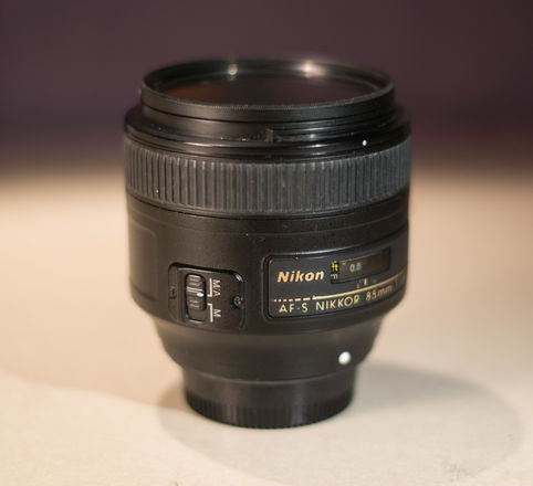 Nikon AF Nikkor 85mm f/1.8G