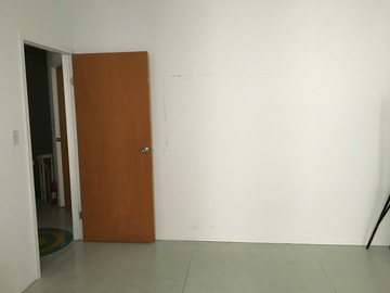 Rent: Bright Studio Space Available for Shoots *Check Description*
