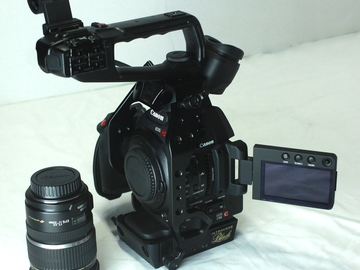 C100 Mark II with Canon 17-55mm f/2.8