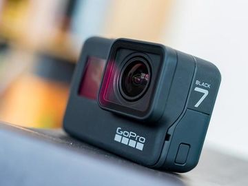 Rent: GoPro HERO 7 Black / 2 batteries / stand / headstrap / etc