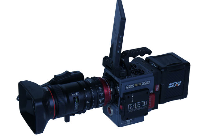 RED Scarlet-W Dragon 5K (kit with canon 18-80mm zoom lens)