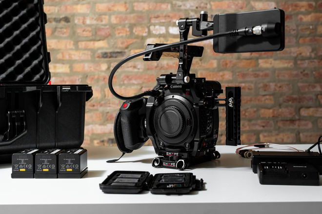 Canon EOS C200 Complete Camera Kit