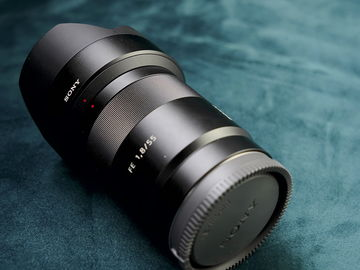 Sony Zeiss FE  55mm f/1.8 Sonnar T*