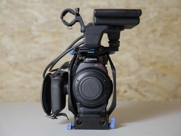 Rent: CANON C300 MK1 w/ Lens (1 of 2)