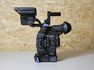 Rent: CANON C300 MK1 w/ Lens (2 of 2)