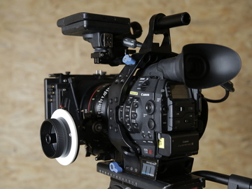 Rent: CANON C300 MK1 | Indie Package (1 of 2)