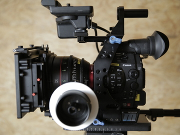 Rent: CANON C300 MK1   Pro Package   Canon CN-E Primes (1 of 2)
